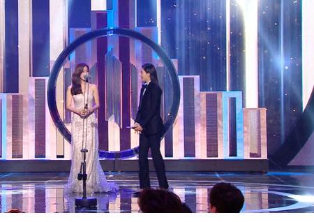 """'2018 MBC 연기대상' """"레인보우 때도 못받은 상인데"""" 오승아-이설 '여자신인상'"""