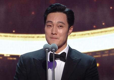 '2018 MBC 연기대상' '데뷔 23년만의 대상' 소지섭, 시청률과 명예 다 잡았다!