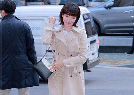 [포토] '봄이 오나 봄' 이유리, 수줍은 미소로 등장하는 보미