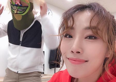 """'SKY 캐슬' 타이틀곡 'We all lie' 주인공 하진, """"첫 공중파 출연을 '복면가왕'으로 해 행복"""""""
