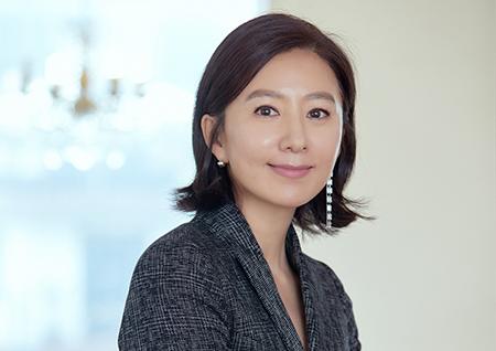 """김희애, '어린이에게 새 생명을' 진행 맡는다 """"26년째 선한 영향력 발휘"""""""