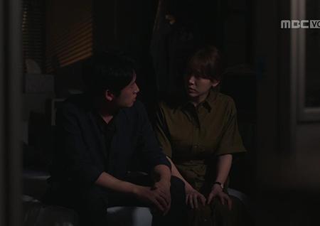 """'봄밤' 정해인, 은우母 결혼 소식에 불안감 폭발... 한지민에 """"우리 버릴 거예요?"""" 술주정"""