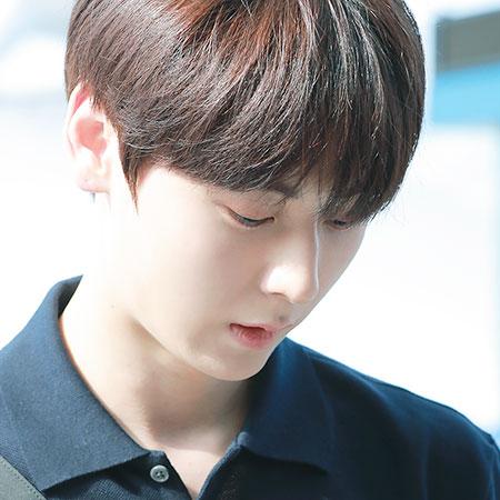 [HAPPY B하인드] 8월 9일 오늘의 아이돌은? 뉴이스트(NU'EST) '황민현'