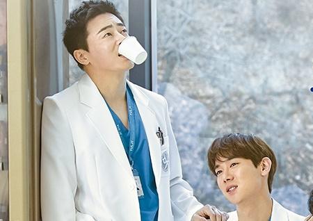 '슬기로운 의사생활', 스페셜+라이브+재방송까지 화제