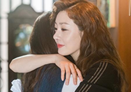 '십시일반' 오나라-김혜준, 母女의 뜨거운 포옹! 현장 분위기 압도