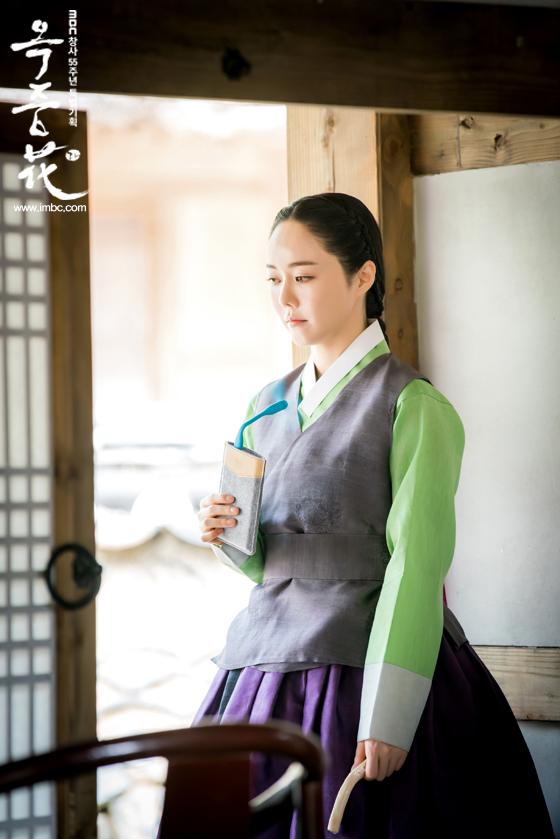 [포토] 여기는 촬영현장! <옥중화> 배우들, '더위 이기는 필수 아이템은?'  이미지-6