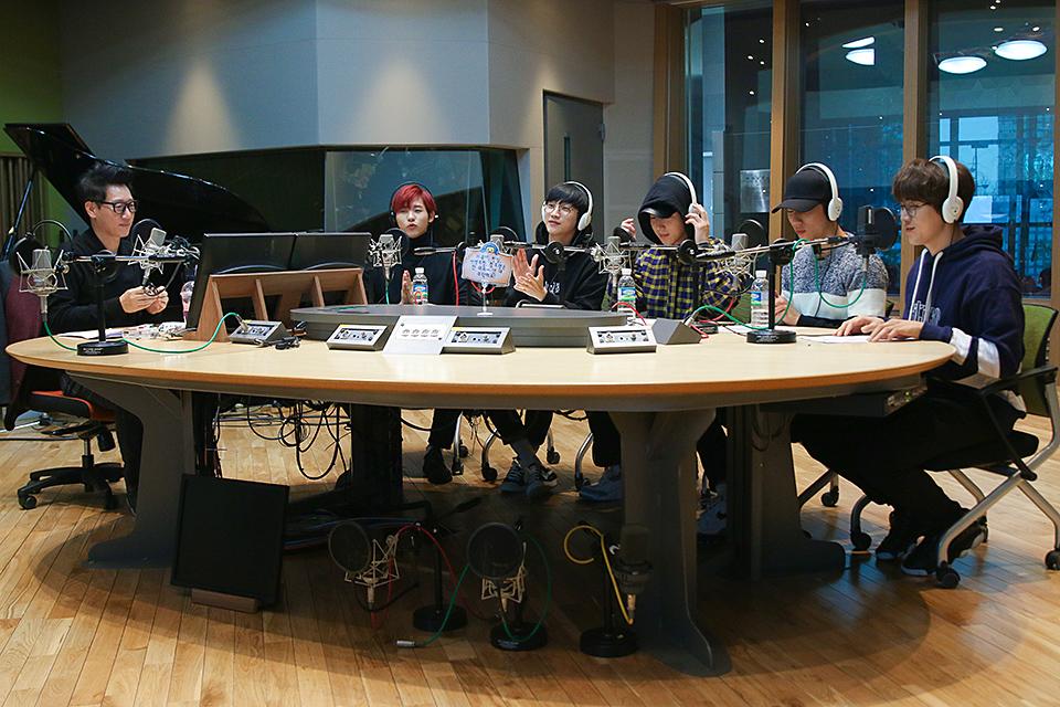 [비하인드] 팬 사랑 누가 말했나 'B1A4'가 말했지 <지석진의 두시의 데이트>