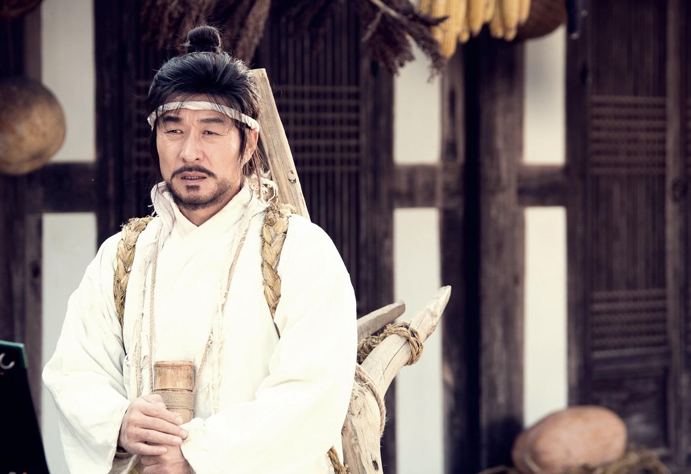 김상중, 시청자 잡으러 온 난세의 구원자…'스틸컷 공개' <역적:백성을 훔친 도적>  이미지-1