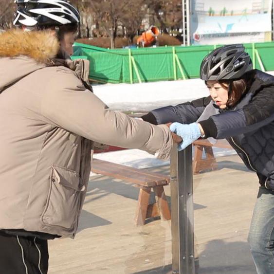 윤정수-김숙, 스케이트장에서 '밀착' 백허그
