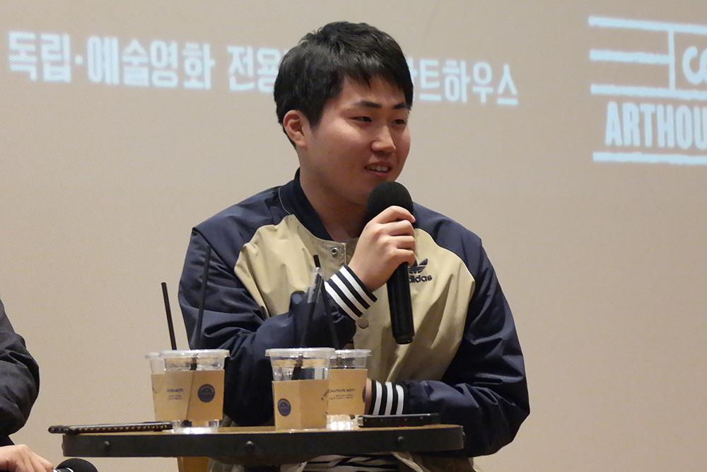<다시, 벚꽃> 박수봉 작가, 알고보니 성공한팬?