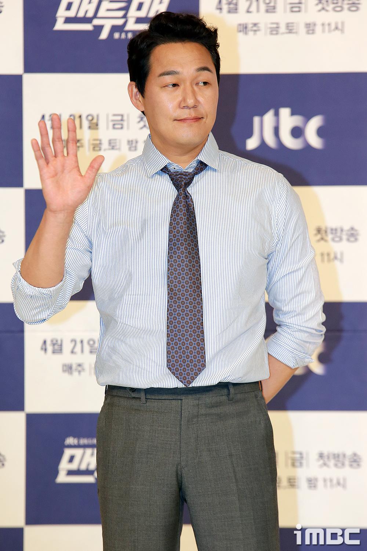 [포토] <맨투맨> 박성웅, '슈퍼스타의 미소'