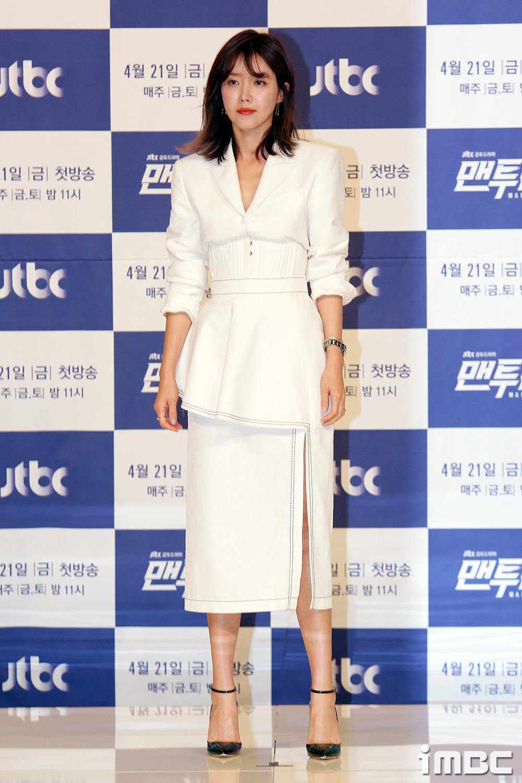[포토] <맨투맨> 채정안, '시원한 옆트임 드레스'