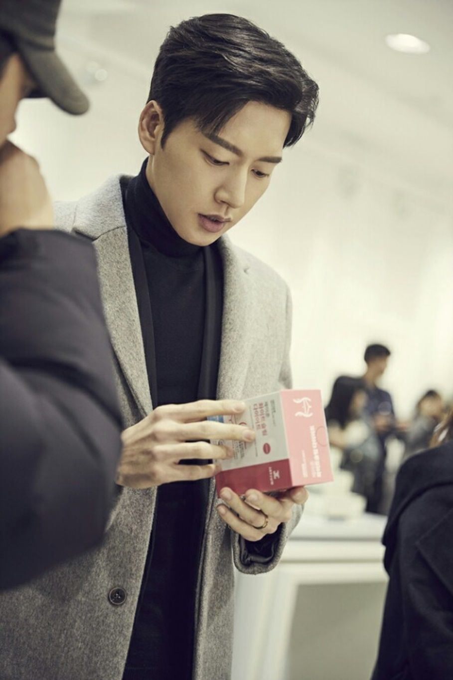 """배우 박해진, 제이준과 재계약…""""브랜드 가치 일치하는 유일 모델"""""""