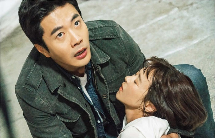 <추리의 여왕> 권상우, 쓰러진 최강희 안고 사색 '무슨 일?'