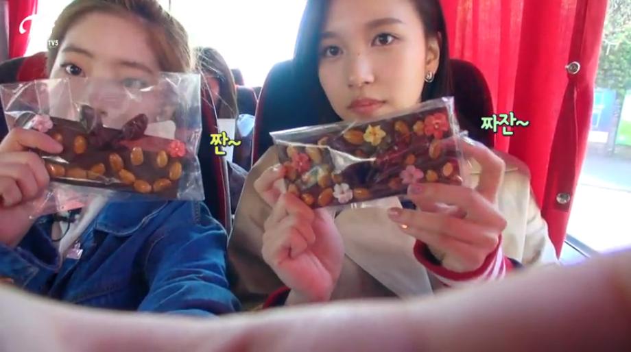 """<트와이스 인 스위스> 미나-다현, """"초콜릿 장인? 바로 나야 나!"""""""