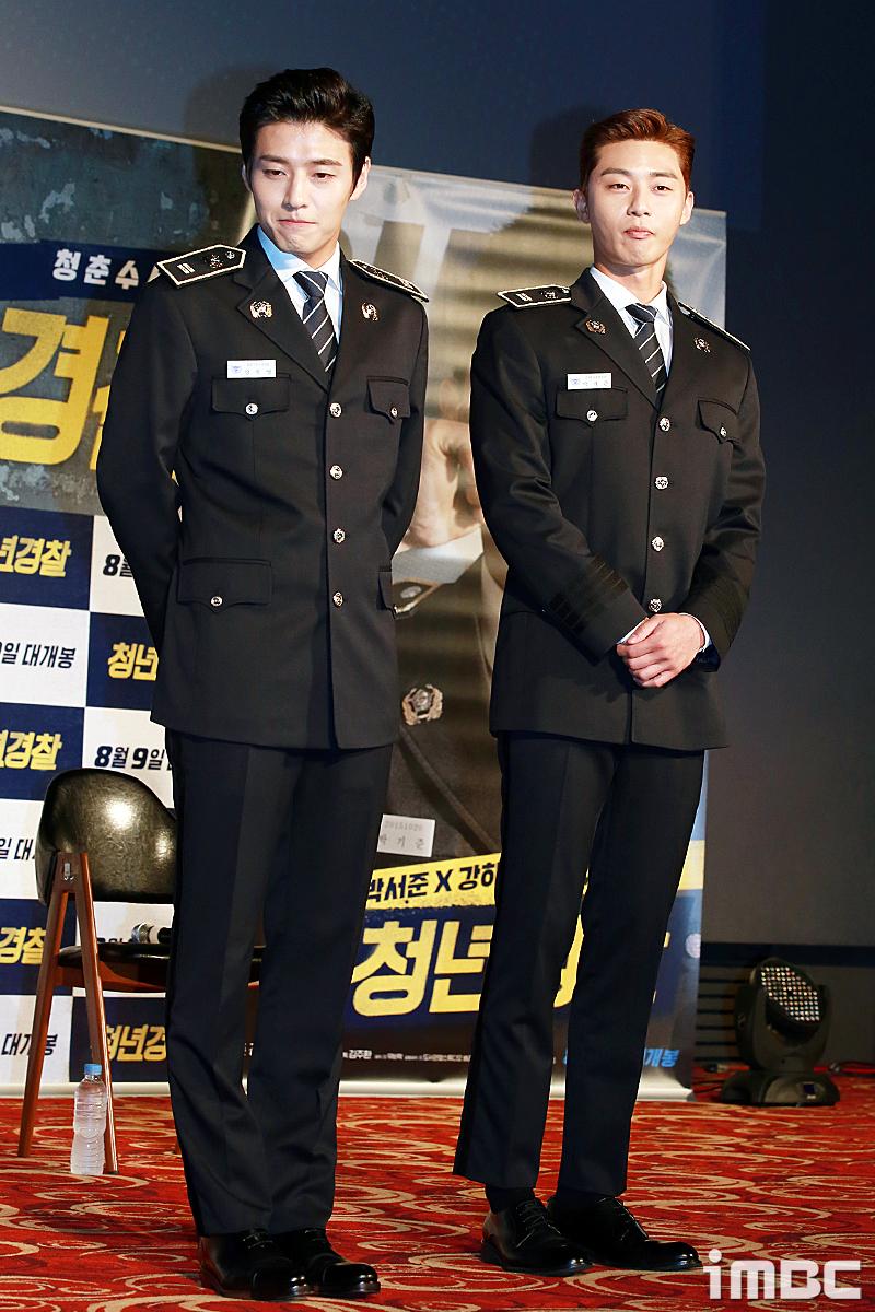 [포토] <청년경찰> 박서준-강하늘, '경찰제복 입고 등장'