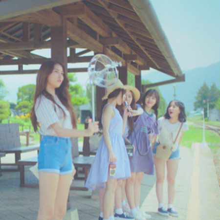 여자친구, 컴백 트레일러 영상 깜짝 공개! '청량한 여름 소녀들'