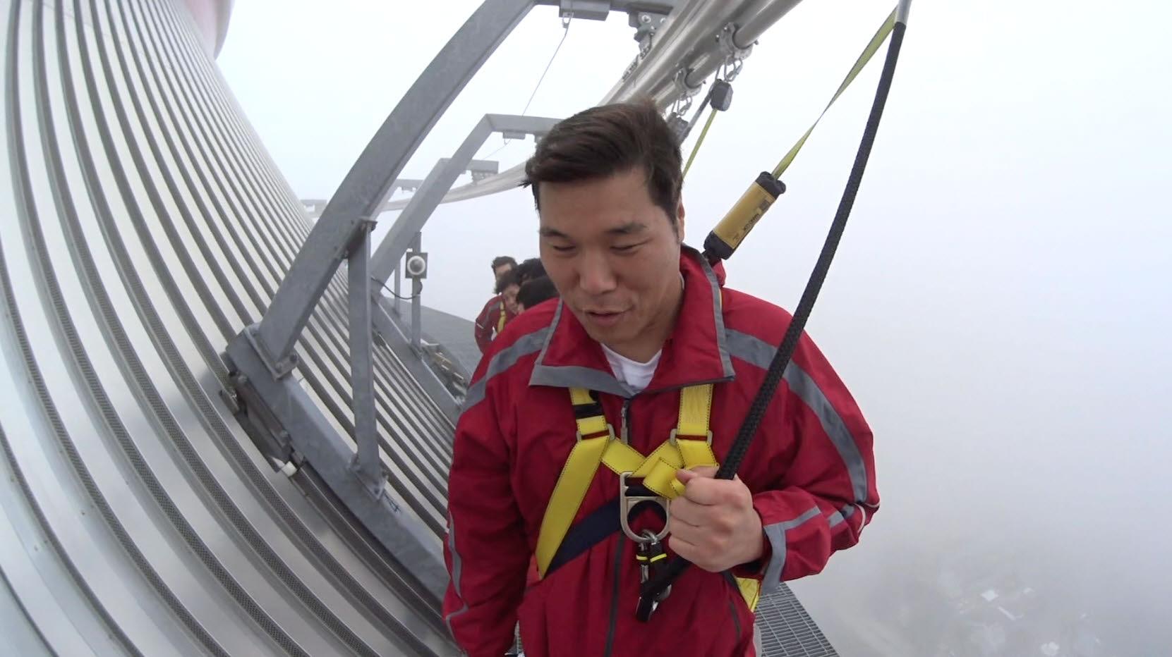 <뭉쳐야 뜬다> 서장훈, CN타워 356m 높이 공중 산책 도전에 '사색'