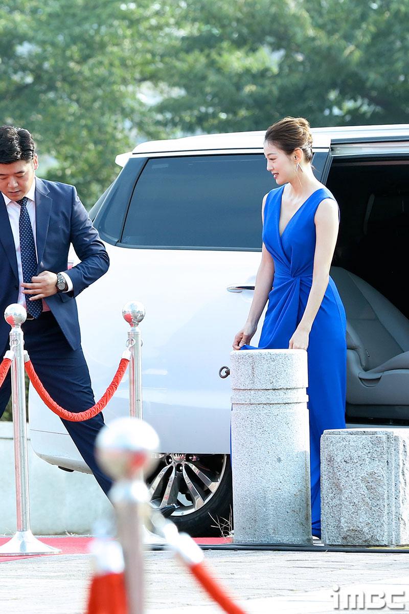 [B하인드] <서울 드라마 어워즈 2017> 이엘의 레드같은 '핫'한 블루