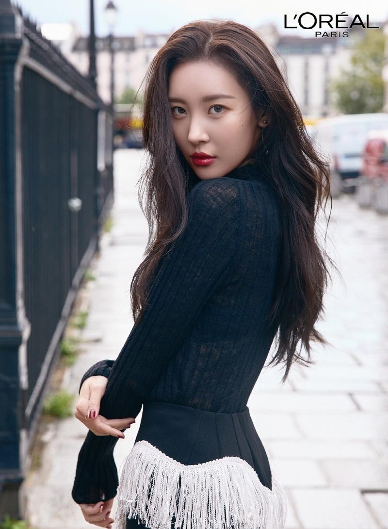 선미, 고혹+러블리 모두 담은 메이크업 화보 공개