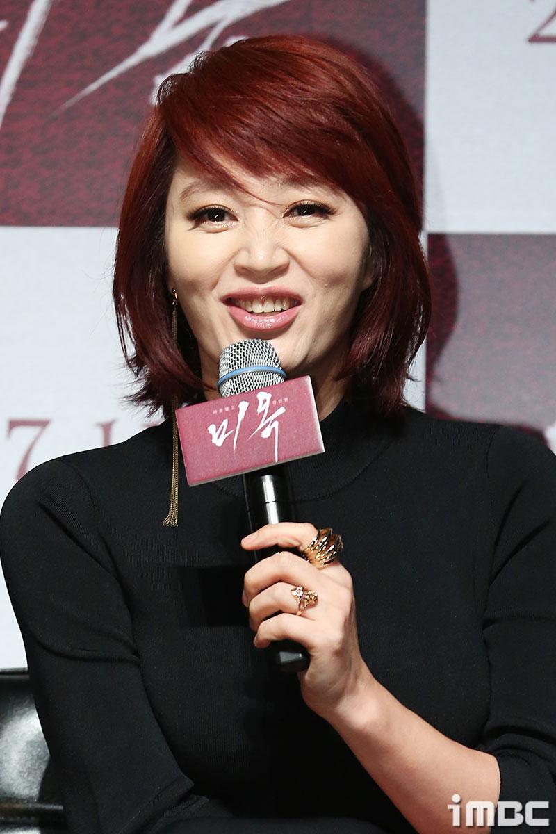 """<미옥> 김혜수, """"대체불가라는 말은 굉장한 칭찬. 부담스럽다."""""""