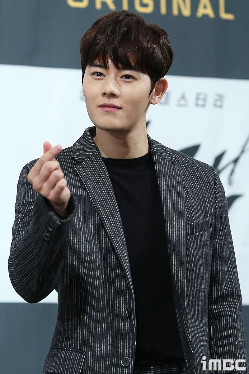 [포토] <블랙> 김동준, 생글생글 아이돌 美 어디 안 가~