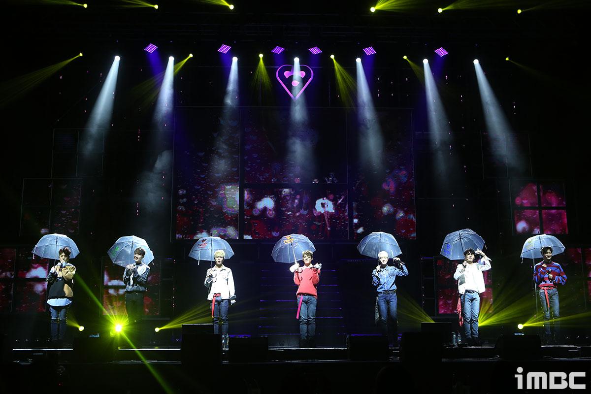 [포토] 레인즈, 비를 부르는 우산