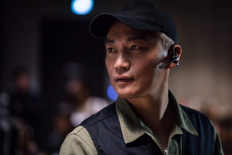 <매드독> 조재윤, 반전 매력 품은 첫 등장! '구해줘' '범죄도시' 이어 연속흥행 기대