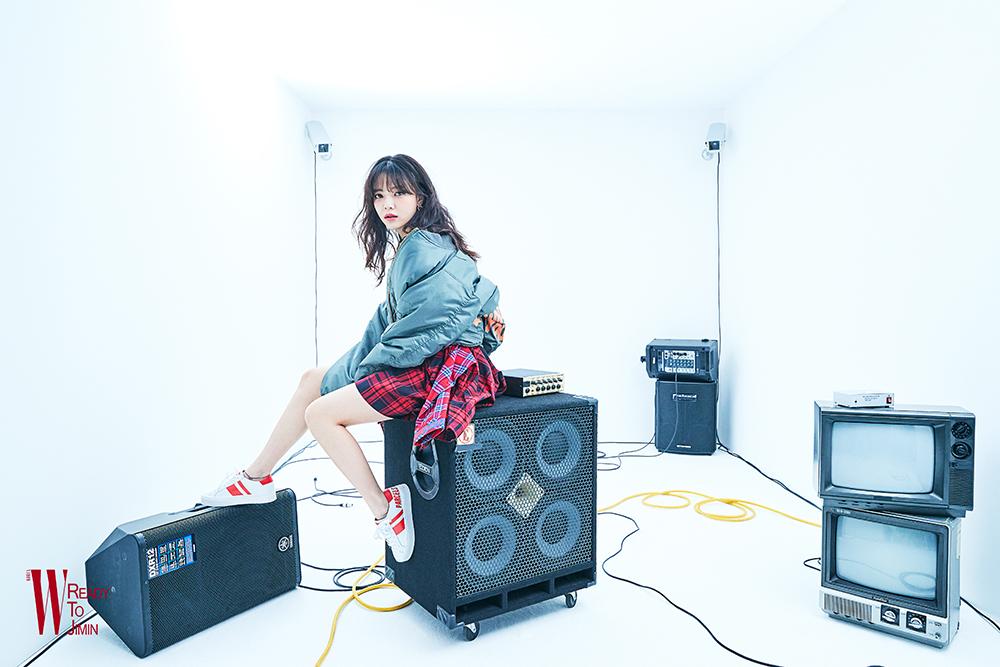 AOA 지민, '할렐루야' 뮤직패션필름 공개 트렌디+섹시 매력UP