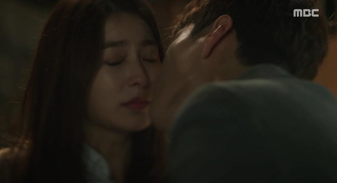 """<돈꽃> 장승조X박세영 첫 키스! """"부담스럽더라""""고백... 장혁, 숨길 수 없는 상실감 이미지-1"""