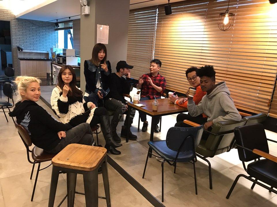"""<나의 영어사춘기> 박현우PD, """"여섯 출연진 주 2~3회 만나 함께 공부"""""""