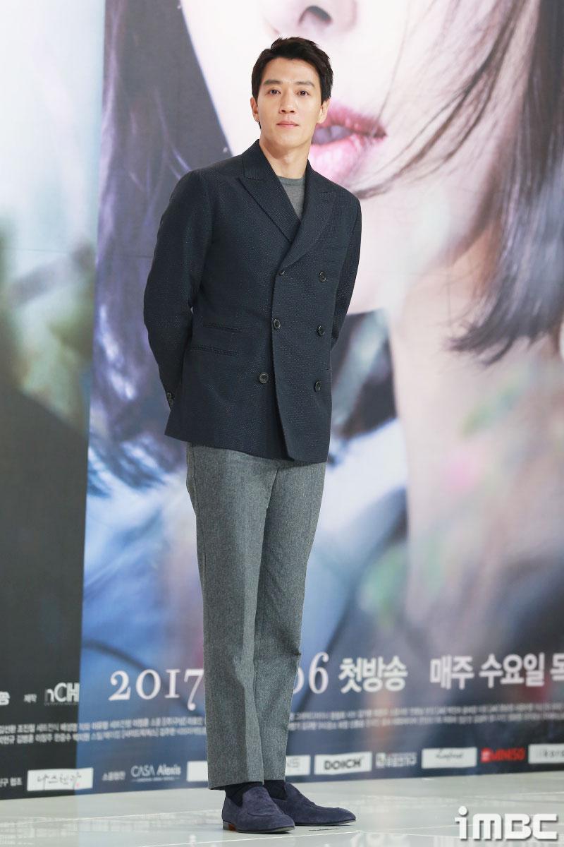 [포토] <흑기사> 김래원, 차분한 포토타임
