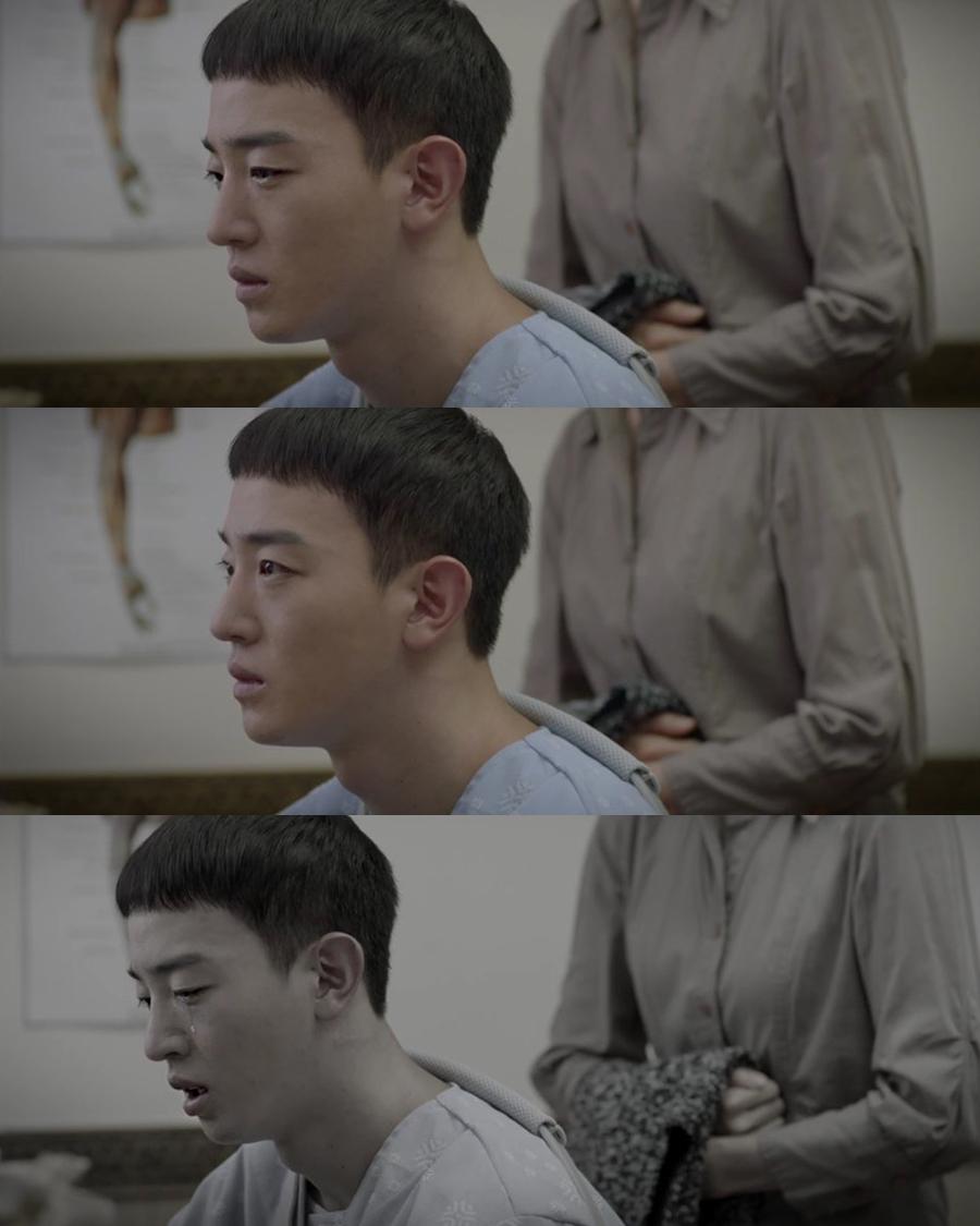 <슬기로운 감빵생활> '위암 투병' 이태선의 음소거 눈물 연기 '호평'