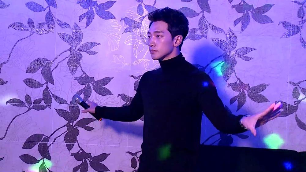 """<나 혼자 산다> 이시언X비, 노래방 출격 """"나 핑클 노래 불러도 되냐?"""