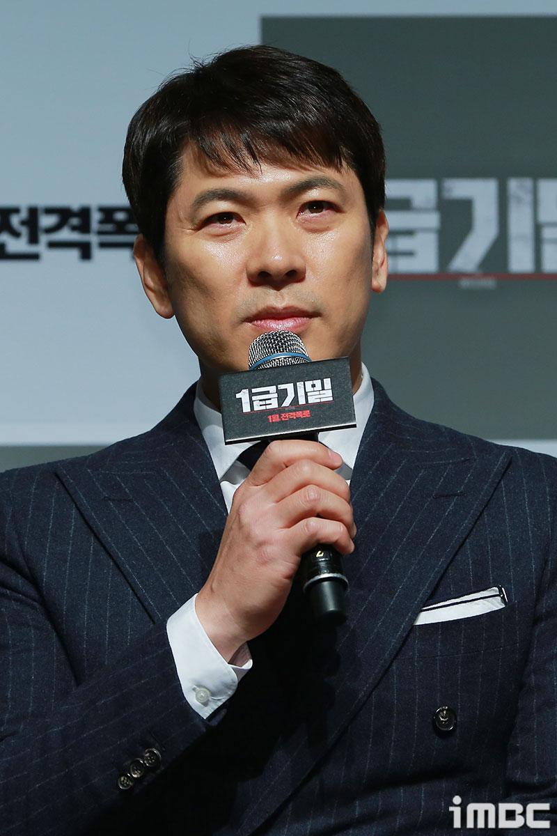 """<1급기밀> 김상경,  """"시나리오에서 힘을 느꼈다. 관객들이 꼭 알아야 하는 사실을 다룬 영화"""""""