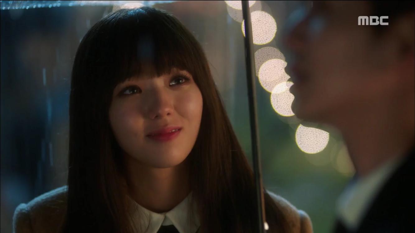 """<로봇이 아니야> """"키스는 이럴 때 하는거야"""" 유승호♥채수빈 우산 속 첫 키스…'로맨틱' 이미지-2"""