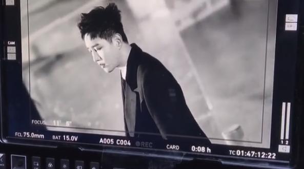 """블락비 비범, '떠나지마요' 뮤비 비공개 컷 공개…""""뮤비도 많이 봐주세요"""""""