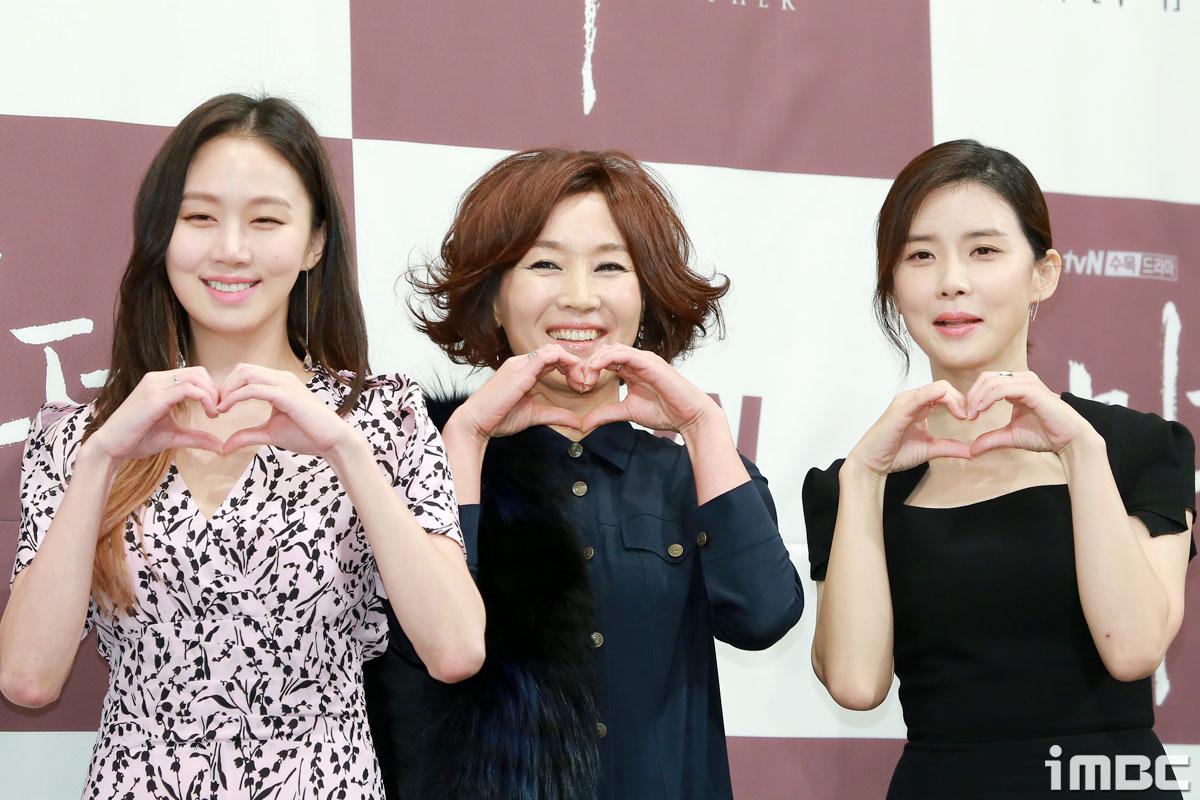 [포토] <마더> 고성희-이혜영-이보영, 하트가 세 개