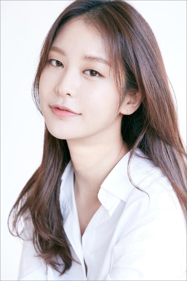 모델 출신 배우 정유진, FNC 전속계약 체결! 이동건·정혜성·정우와 한솥밥