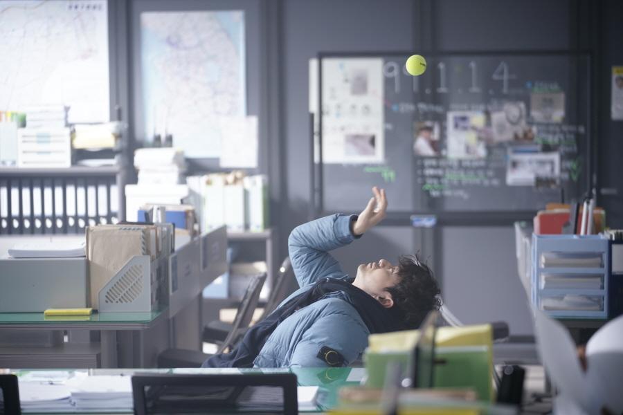 '리턴' 이진욱, '고뇌의 캐치볼'현장 포착!