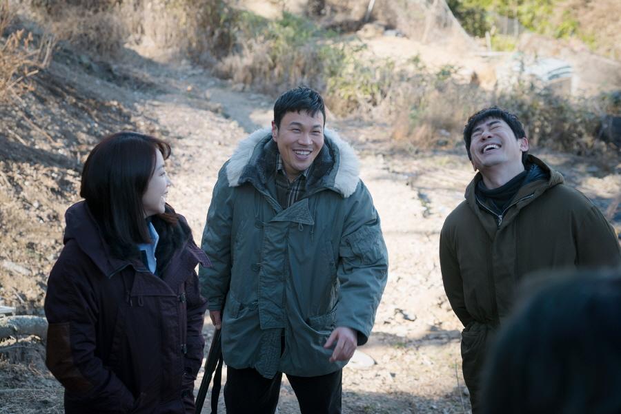 '작은 신의 아이들' 강지환-김옥빈-심희섭-이엘리야, 열정 폭발 비하인드 공개