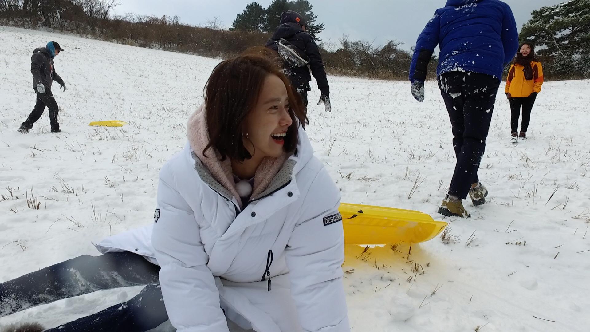 '효리네 민박2' 윤아, 와플팬-채소 다지기에 이은 비장의 무기 선보인다