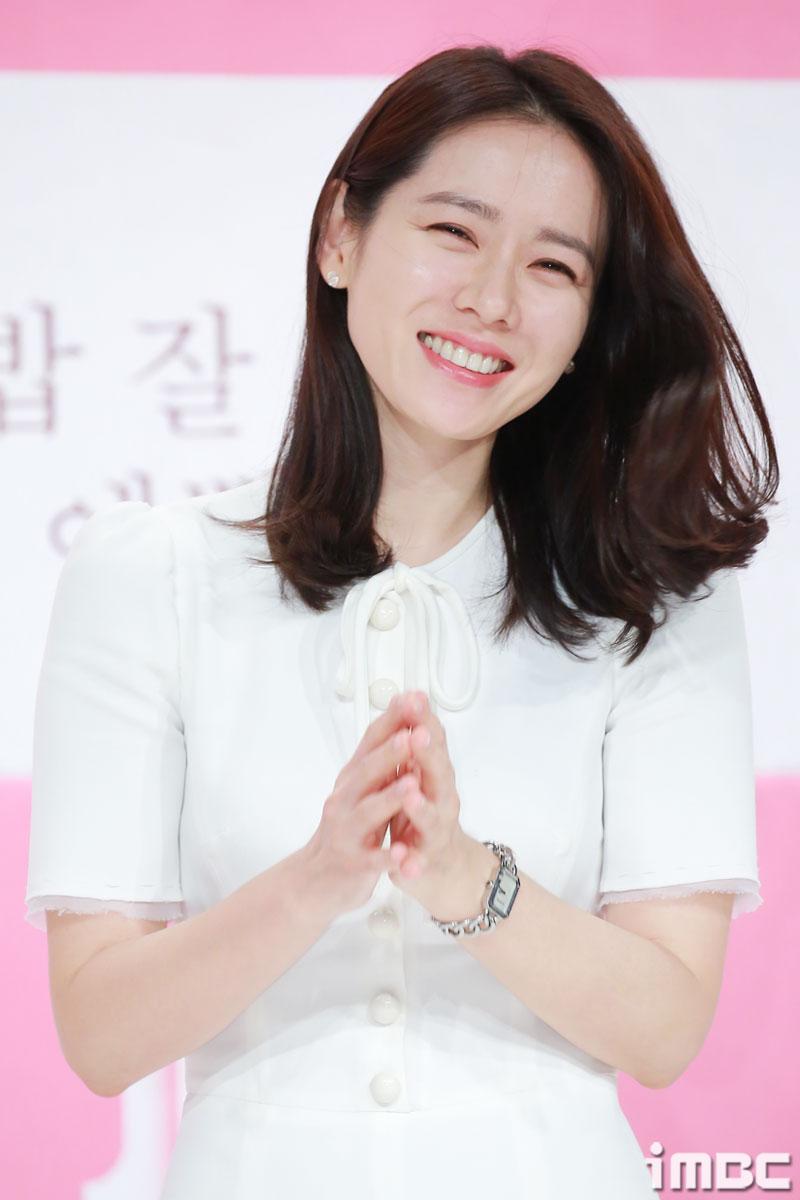 '지만갑'→'예쁜 누나' 열일 손예진, 3월 영화배우 브랜드평판 1위