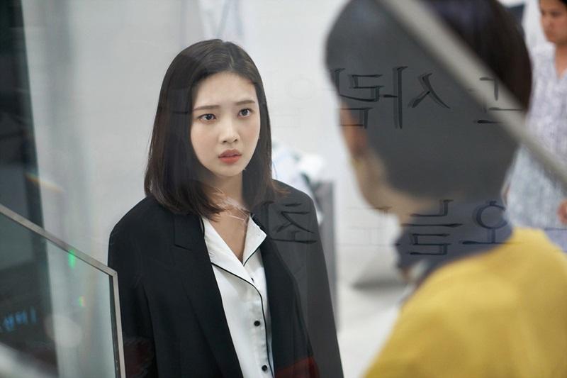 '위대한 유혹자' 박수영, 김서형과 대면...뺑소니 피해자vs가해자 조우 '팔 덥썩X혼란 눈빛' 무슨 일?