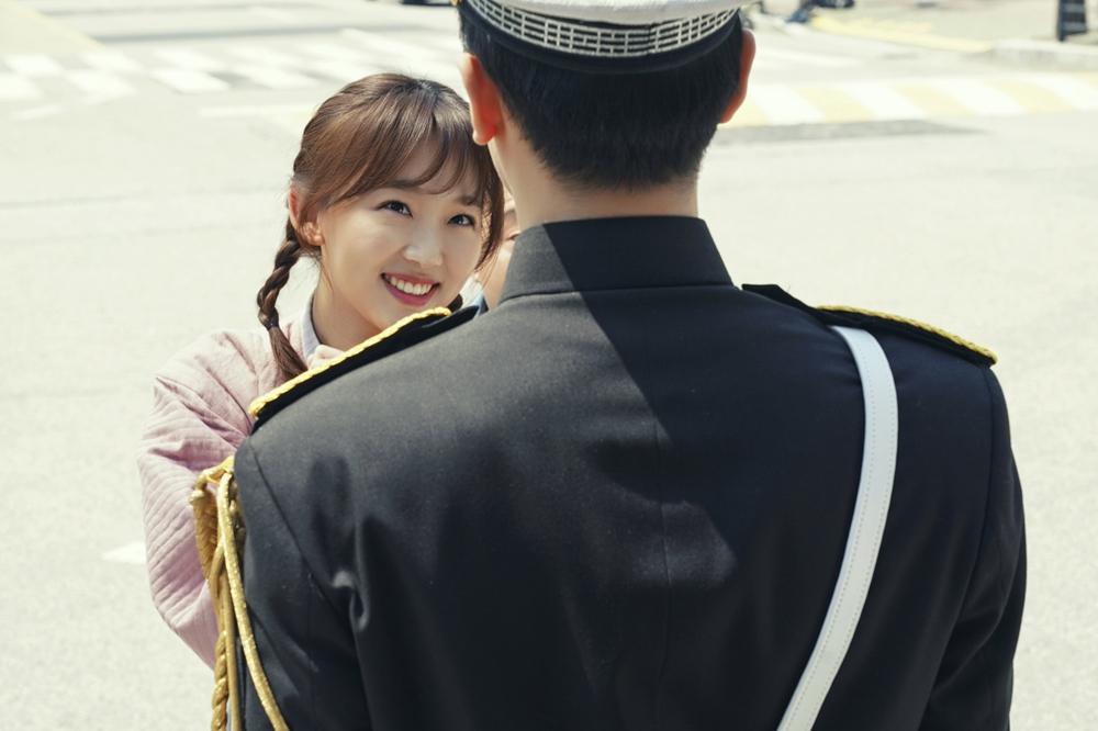 '이리와 안아줘' 진기주, 눈웃음+꽃받침 '필살 애교' 발사! 이미지-3