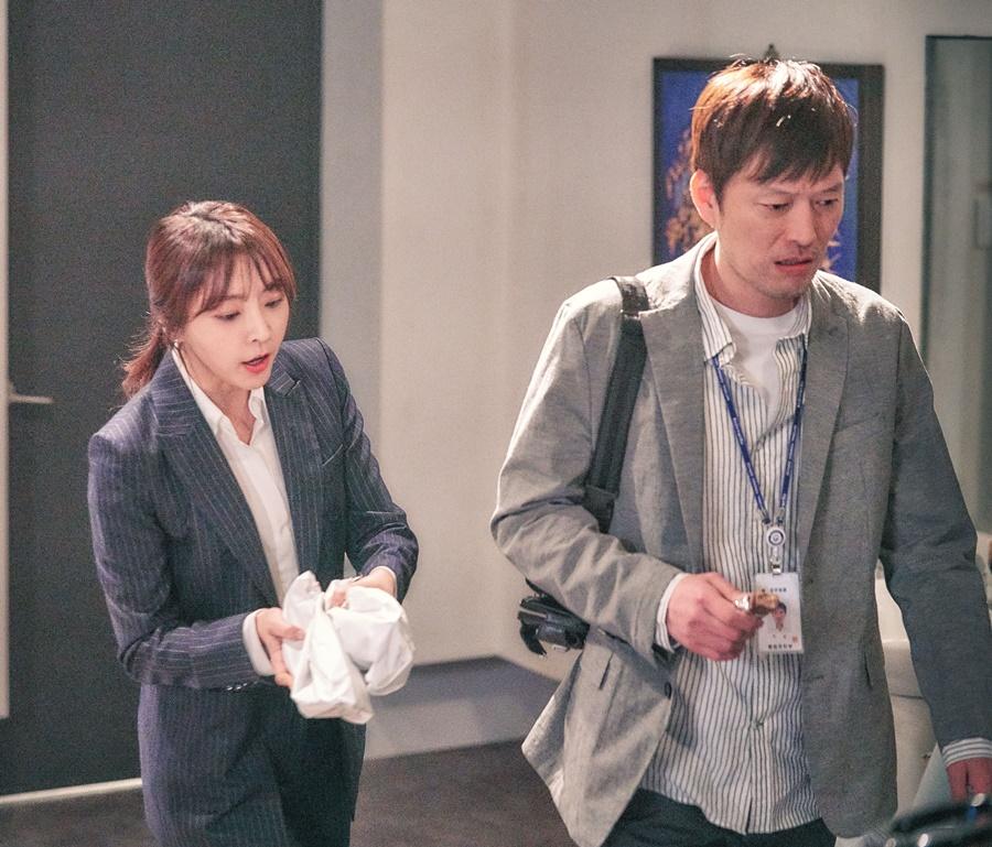 '검법남녀' 정유미, 정재영 찾아간 이유는? '순탄치 않은 공조수사' 예고 이미지-2