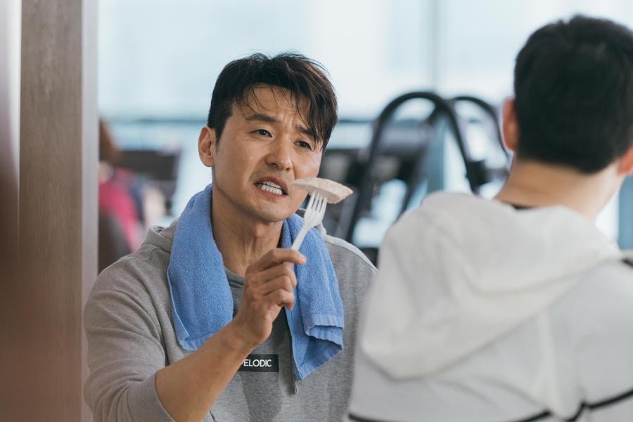 '이별이 떠났다' 이성재-김산호, 파일럿들의 '극과 극 몸관리 현장' 이미지-4