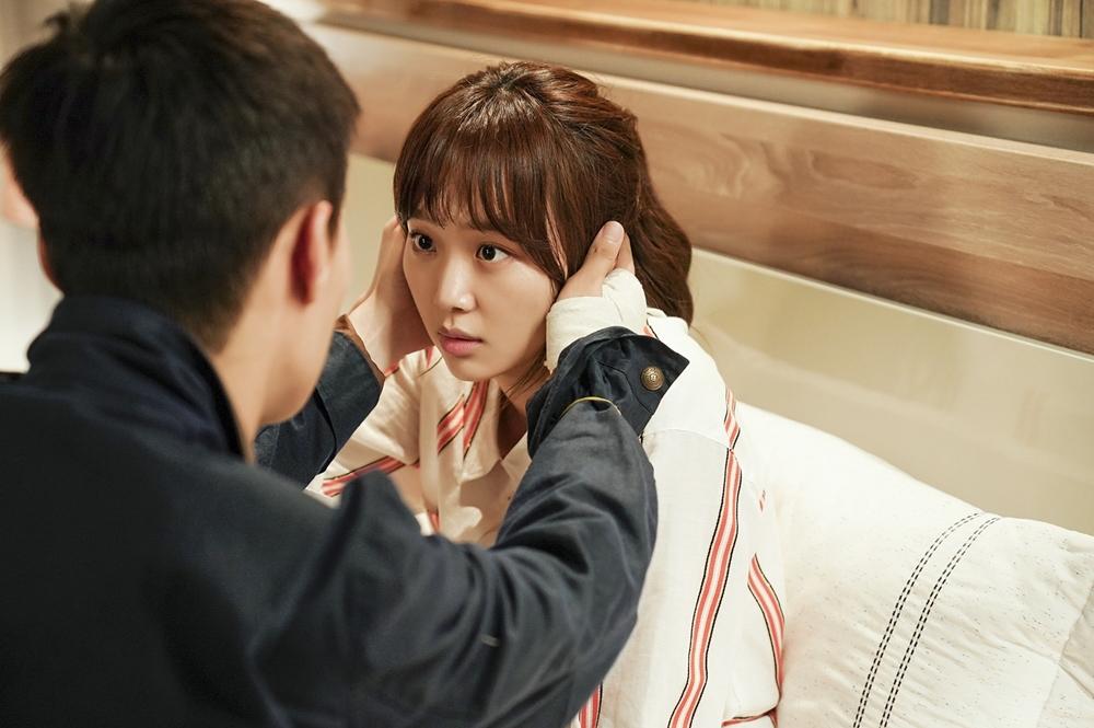 '이리와 안아줘' 장기용-진기주, 가슴 떨리는 애정신··· 심장 박동 UP! 이미지-3