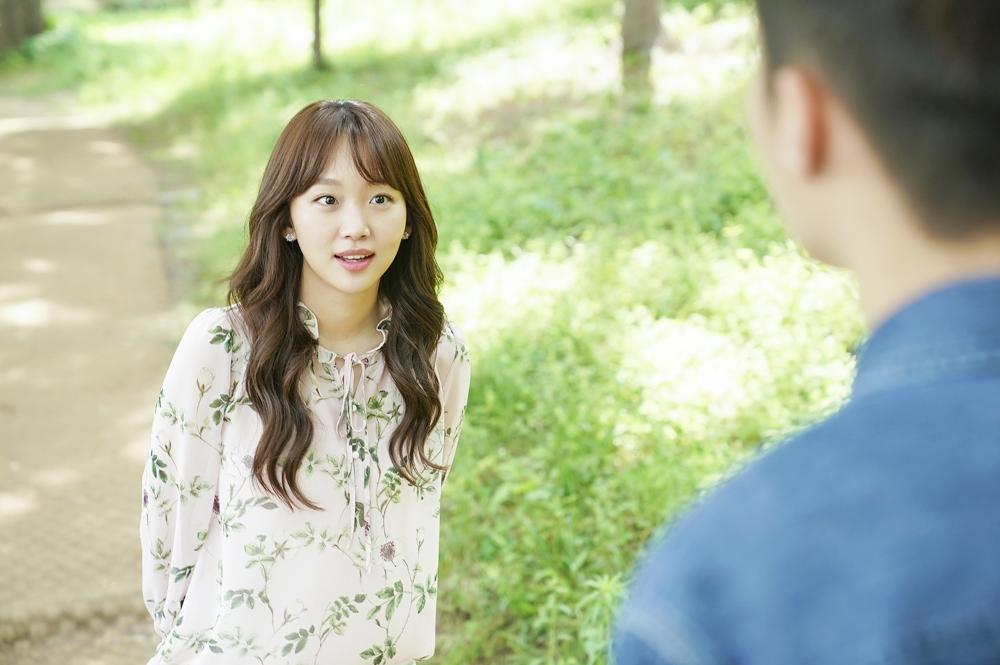 '이리와 안아줘' 장기용♡진기주, 수목원-바닷가 '달콤 데이트' 현장 포착 이미지-2