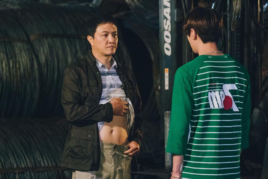 """'이별이 떠났다' """"칼로 배 쨀 수 있어?"""" '정면돌파' 이준영VS'카리스마'정웅인, 살벌 투샷 이미지-1"""